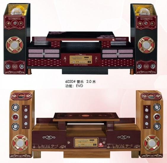 流行的材质是钢木结构,玻璃金属结构,大理石结构及板式结构的电视柜