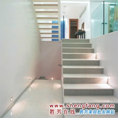 楼梯材质和颜色的搭配技巧