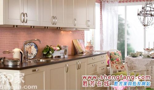 粉色厨房装修图片
