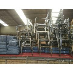 主题餐厅卡座沙发主题餐厅桌椅餐桌椅个性复古定制车轮桌椅工业风loft美式做旧卡座