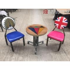 新款餐桌椅复古工业风水暖管桌椅铁艺桌椅 酒店家具 复古桌椅 快餐桌椅 个性主题桌椅 中庆德钢木家具批发