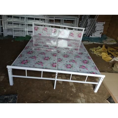 胜芳圆头两折床 折叠床 简易床 午休床 四折床 单人床 陪护床 铁艺床 行军床 成林家具