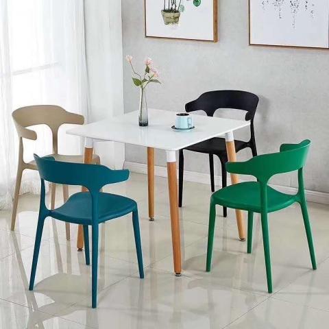胜芳家具批发现代简约创意塑料椅子家用靠背懒人北欧奶茶店休闲桌椅牛角餐椅子兴东家具