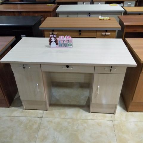 三壮家具 课桌 办公桌等……