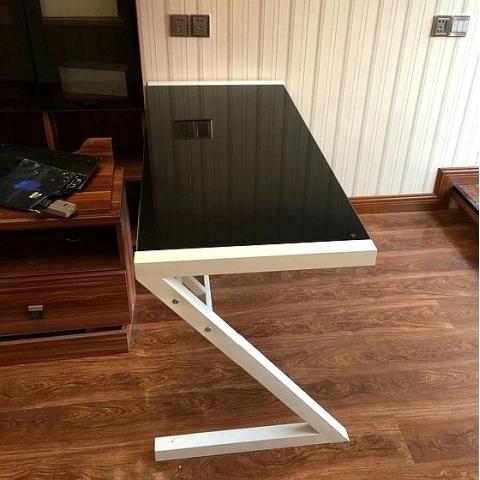 胜芳电脑桌批发 玻璃简易电脑桌 板式办公桌