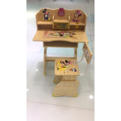 儿童学习桌椅批发卡通图案多功能手摇升降课桌板式课桌塑料课桌