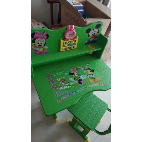 胜芳儿童课桌椅批发儿童学习桌塑料课桌多功能手摇课桌可升降板式课桌