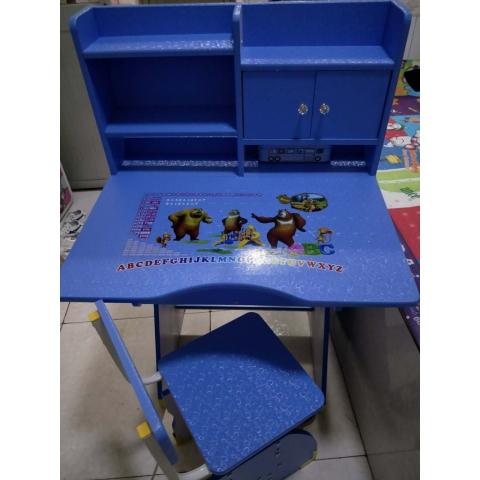 胜芳儿童课桌椅批发儿童学习桌塑料课桌多功能手摇课桌板式课桌卡通图案课桌可升降