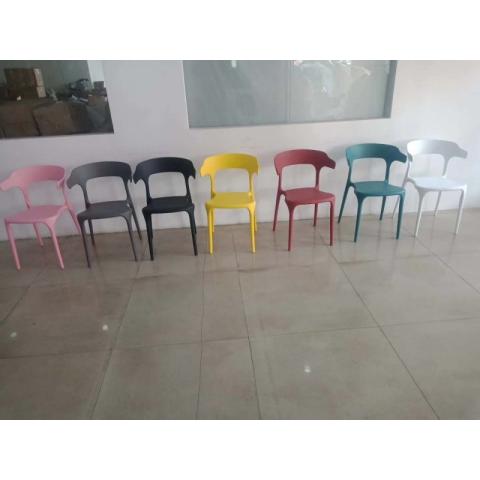 胜芳休闲椅批发 牛角椅 太阳椅 A字椅 曲木椅 围椅 咖啡椅 快餐椅 金属椅 铁腿餐椅 餐厅家具 主题家具 美式复古家具 畅健博家具