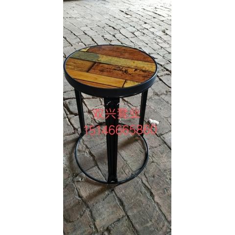 万博Manbetx官网铁腿凳子批发   钢筋凳,套凳,铁腿凳子 双兴万博manbetx在线