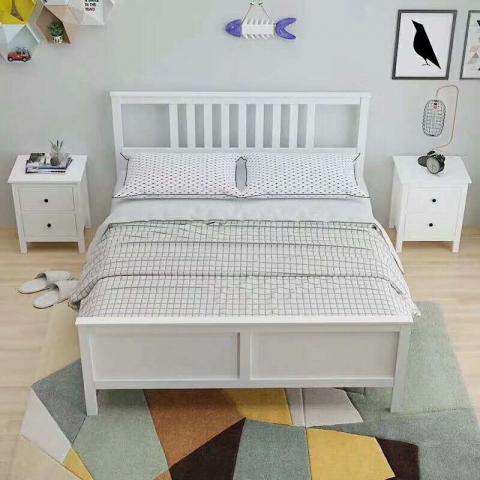 铁条床 折叠双人床 木质双人床 双人板床 北欧家具 卧室家具 酒店家具 宇鑫家具