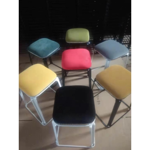 胜芳批发 现代时尚凳子 方凳 挂钉 8色可选 成人 加厚 塑料凳 家用凳子 餐桌凳 套凳 梦阳家具