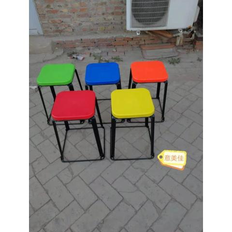 胜芳铁腿凳子批发 三腿凳子 四腿凳子 铁质凳子 钢筋凳 套凳 圆凳 简易家具 意美佳家具
