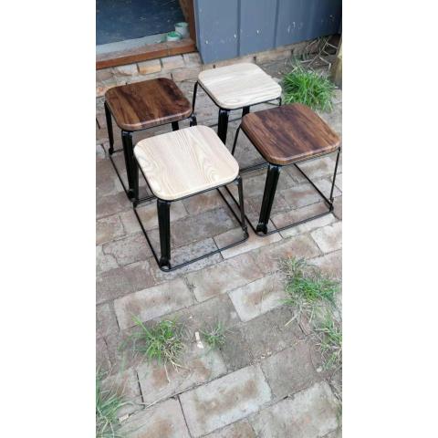 胜芳铁腿凳子批发 方凳子 四腿凳子 铁质凳子 钢筋凳 套凳 圆凳 简易家具 意美佳家具