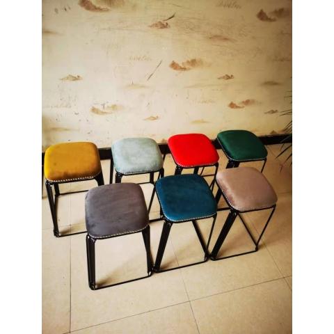 胜芳铁腿凳子批发 方凳 四腿凳子 铁皮凳 钢筋凳 套凳 圆凳 简易家具 意美佳家具