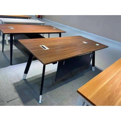 胜芳桌架批发  铁艺桌架 办公桌架 会议桌架 培训桌架  不锈钢桌架 书桌桌架 折叠桌架 办公钢架 办公家具  圣之达家具
