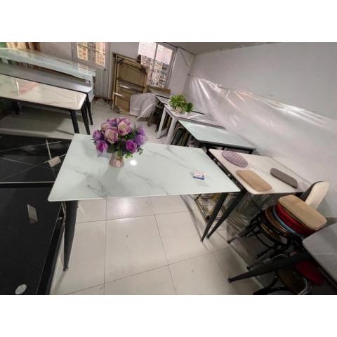 胜芳餐桌批发 玻璃餐桌 玻璃餐台 小户型餐桌 钢化玻璃餐桌 热弯玻璃餐桌 时尚简约 餐厅家具 餐厨家具批发  宏喜家具